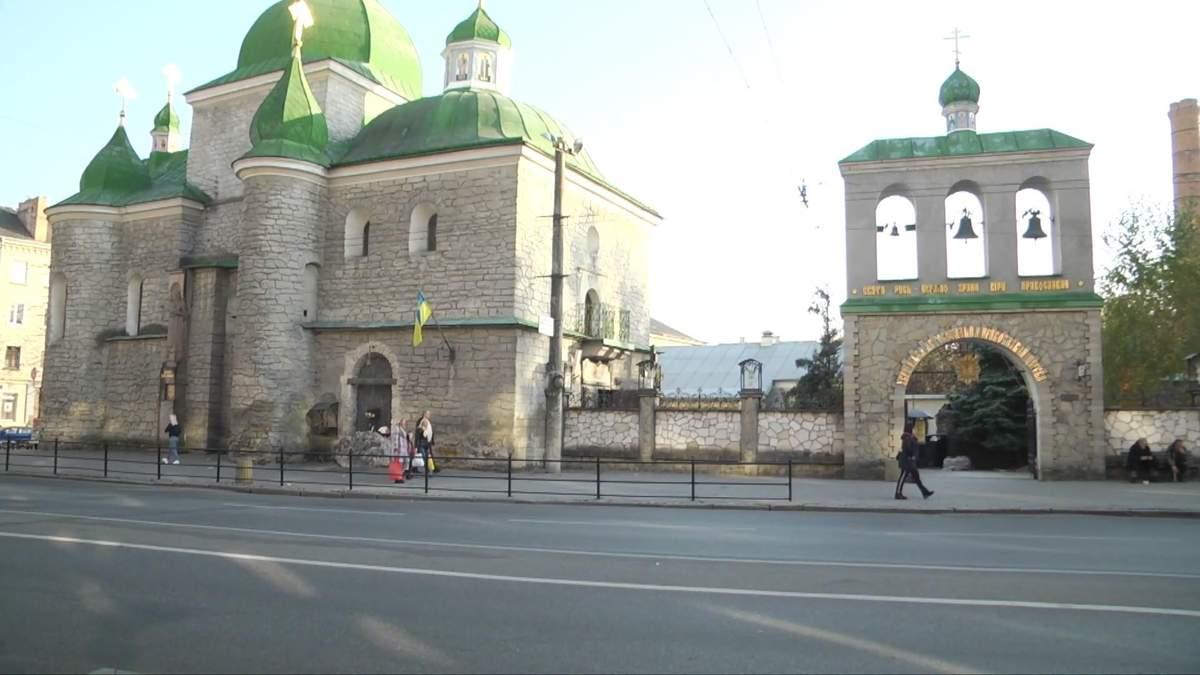Скандал на Тернопільщині: ієрархи продають церковне майно