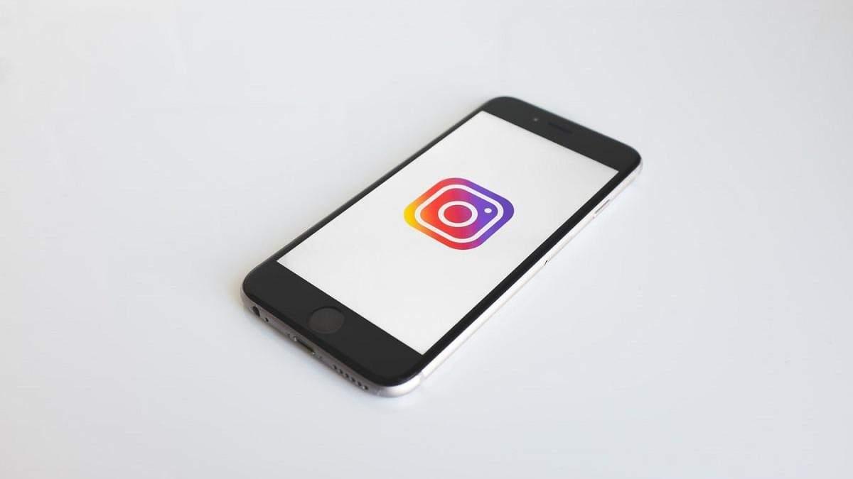 Новый алгоритм Instagram будет предупреждать об оскорбительных публикациях