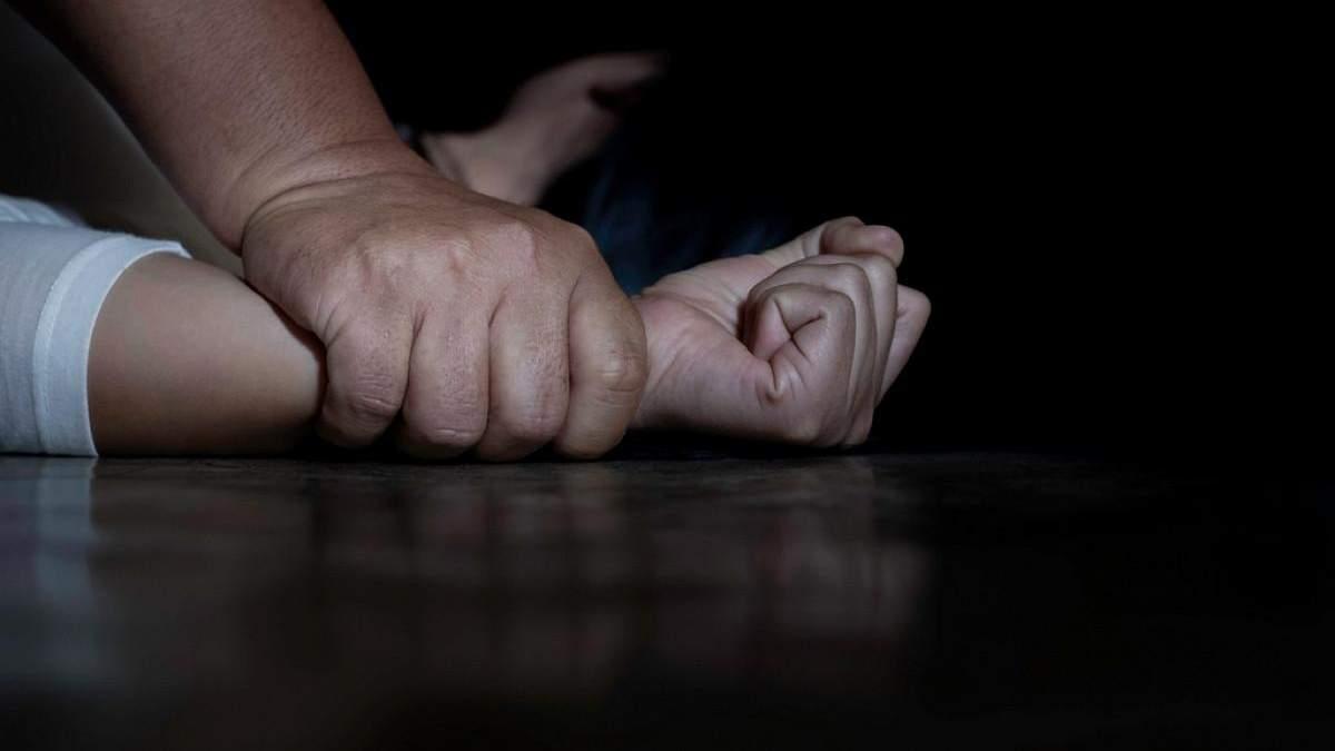 Пенсіонера підозрюють у розбещенні другокласниці на Тернопільщині