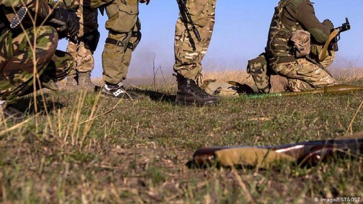 Один украинский военный ранен в результате обстрелов на Донбассе