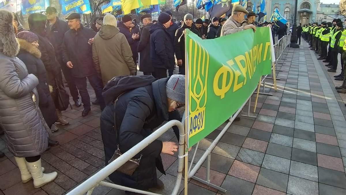 """Призрак Симоненко, или Обличители действующей власти в поисках """"зрады"""""""