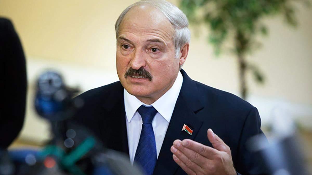 Ми в центрі котла: Лукашенко впевнений, що НАТО у випадку агресії захистить Білорусь від Росії
