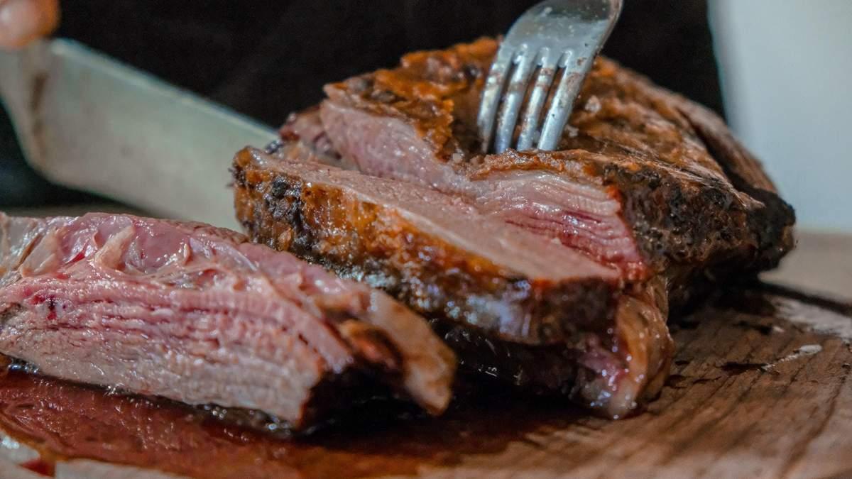 Чи повинна людина їсти м'ясо