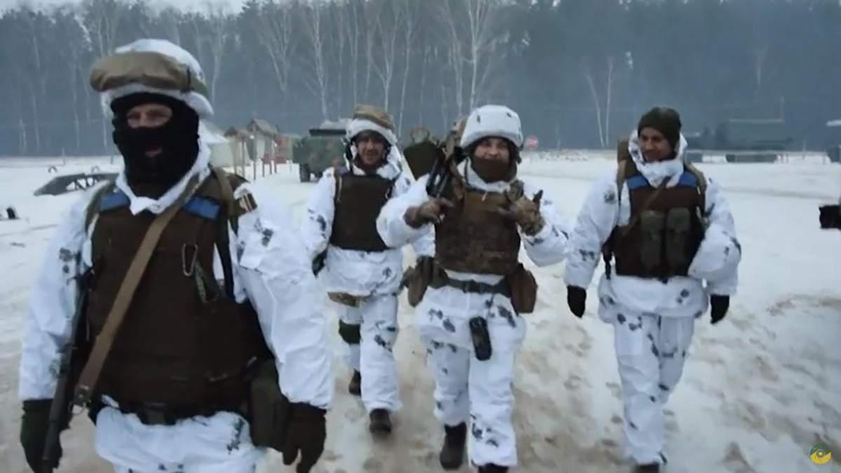 Українські військові підготували щемливе відео до Нового року