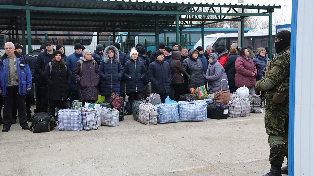 Більшість звільнених з полону українців не мають житла