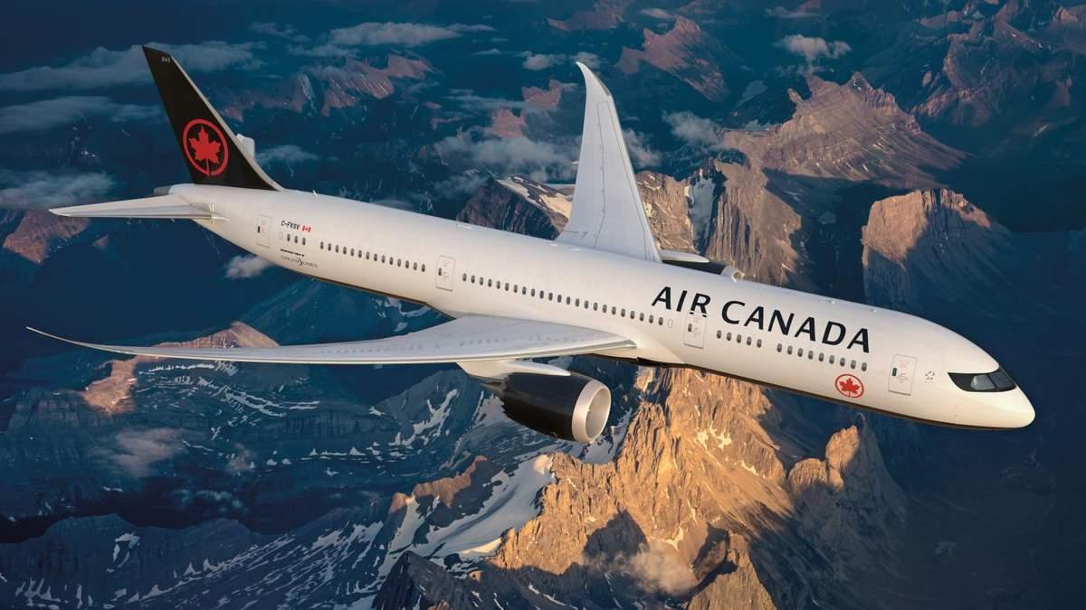 У Канадского самолета во время взлета отлетело шасси