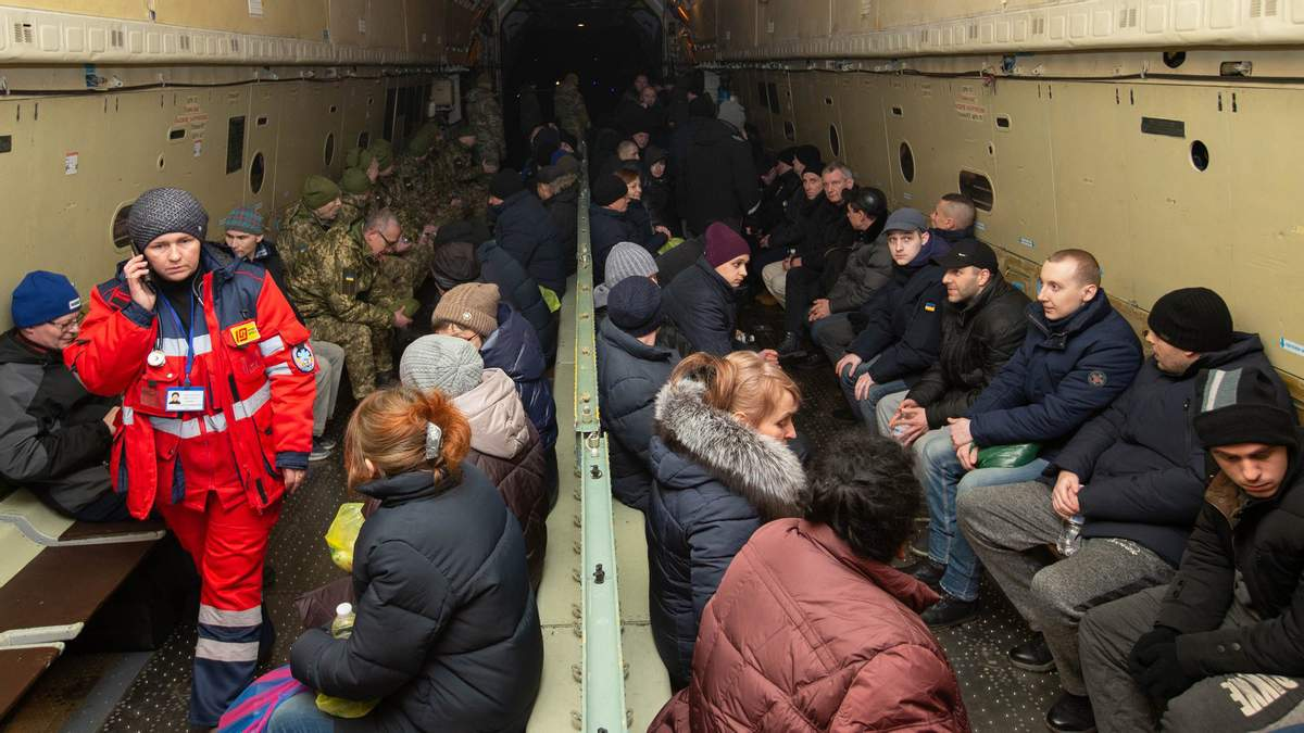 Звільнені з полону бойовиків українці