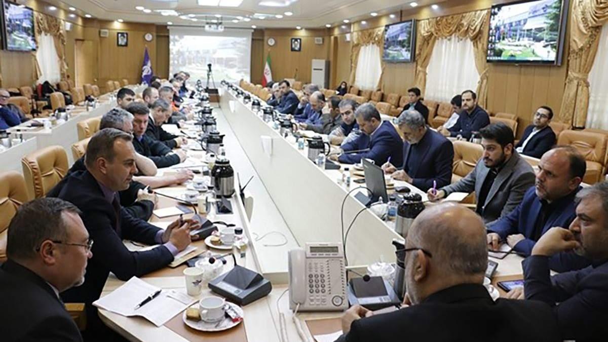 В Иране работает комиссия по установлению причин авиакатастрофы украинского самолета в Тегеране