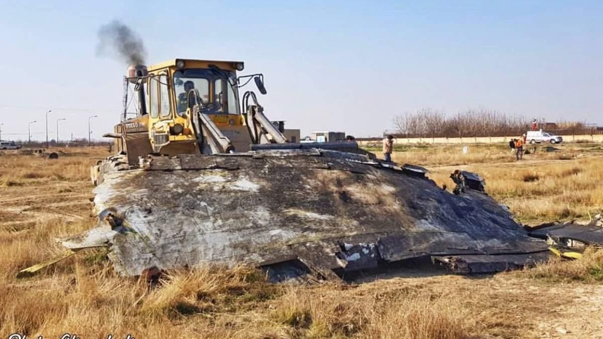 Місце катастрофи літака МАУ зачистили бульдозером