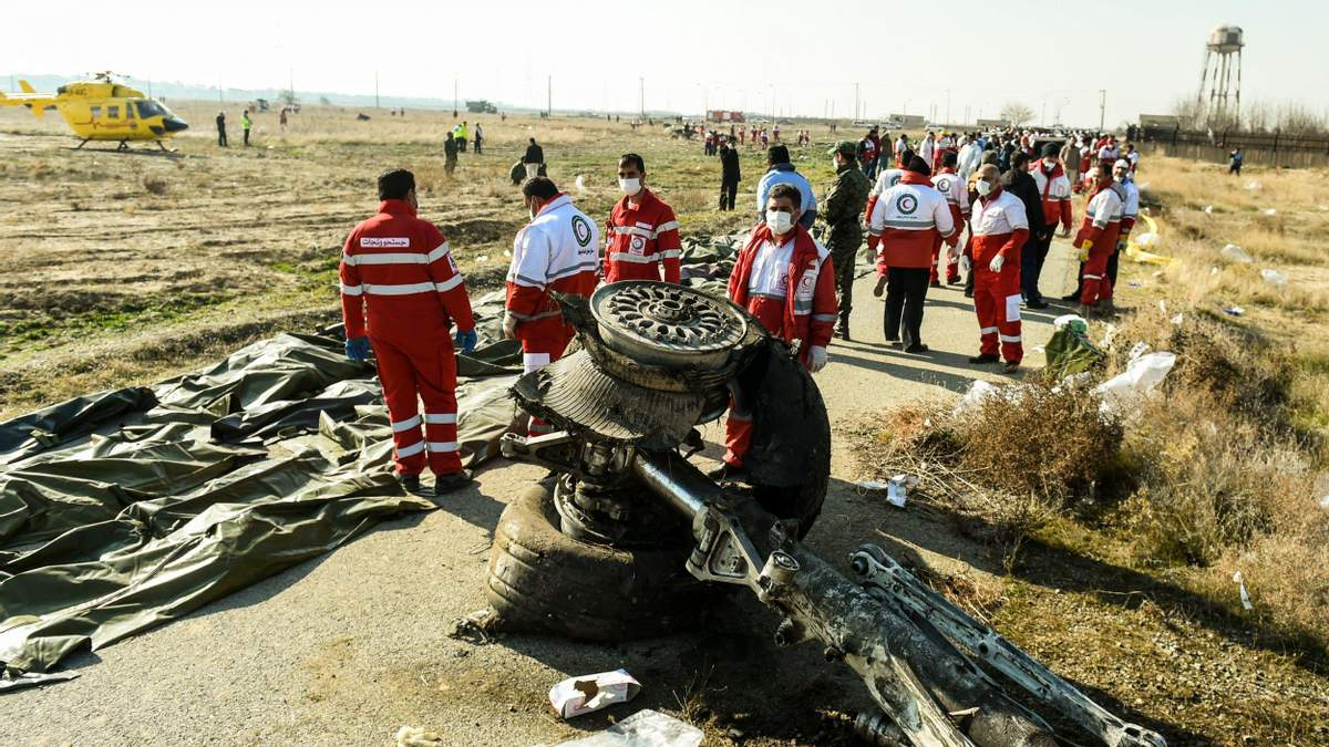 Авиакатастрофа МАУ в Иране: Иран накажет военных, сбили самолет