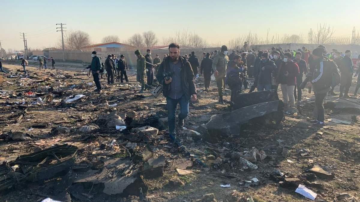 Место авиакатастрофы самолета МАУ под Тегераном