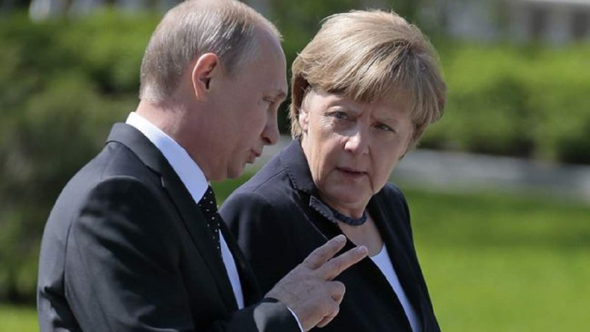 Меркель и Путин обсудили войну в Украине