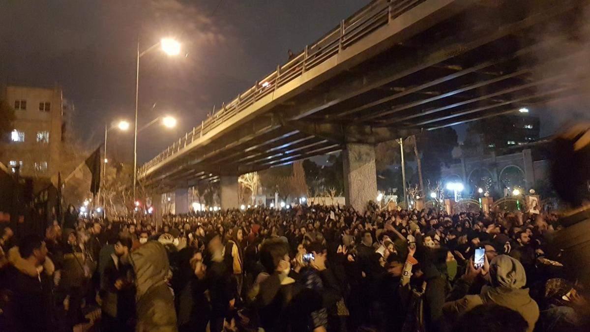 Протесты В Тегеране 11 января 2020 из-за самолета МАУ – видео