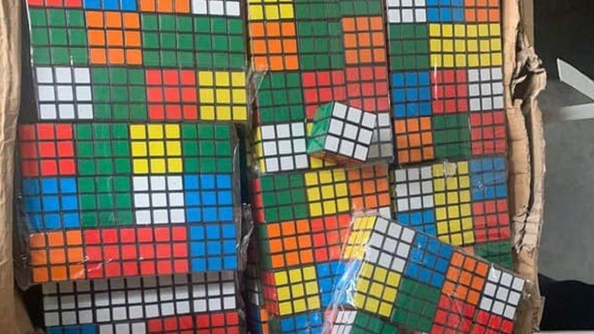 На Одещині митники вилучили 8 тисяч контрабандних кубиків Рубика: фото