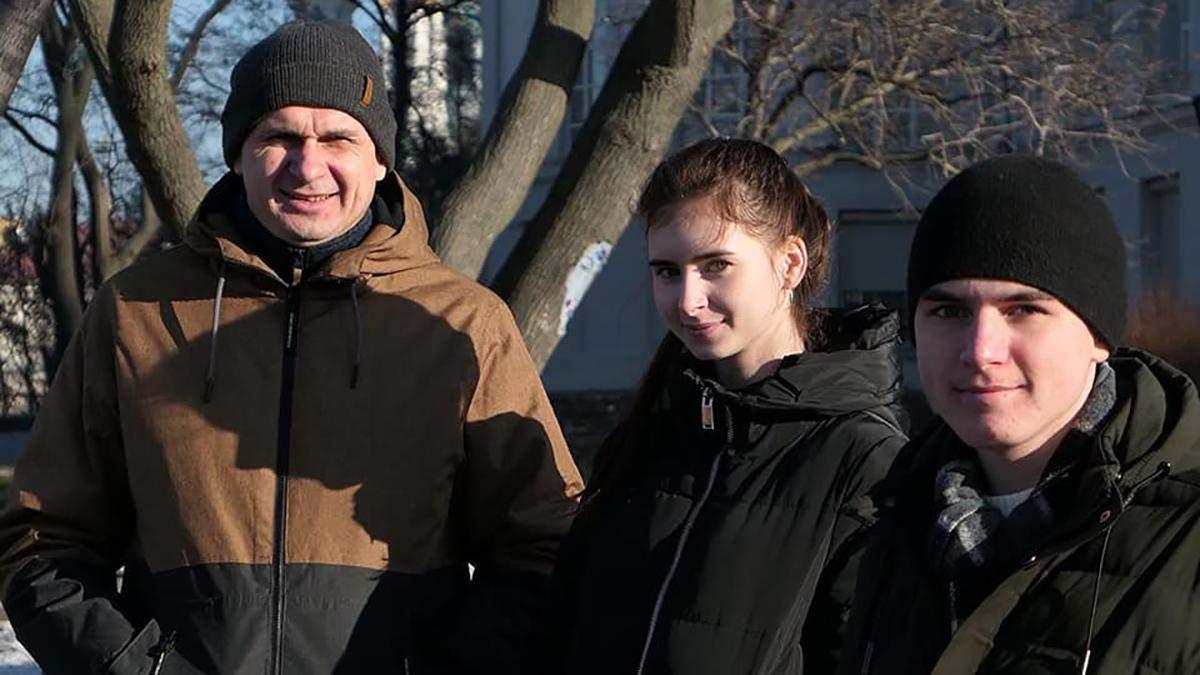 Родина Сенцова переїхала до Києва з окупованого Криму