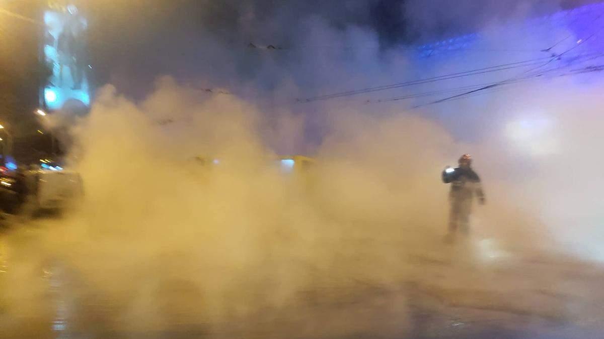 Потоп в Ocean Plaza у Києві: є постраждалі з опіками – фото та відео