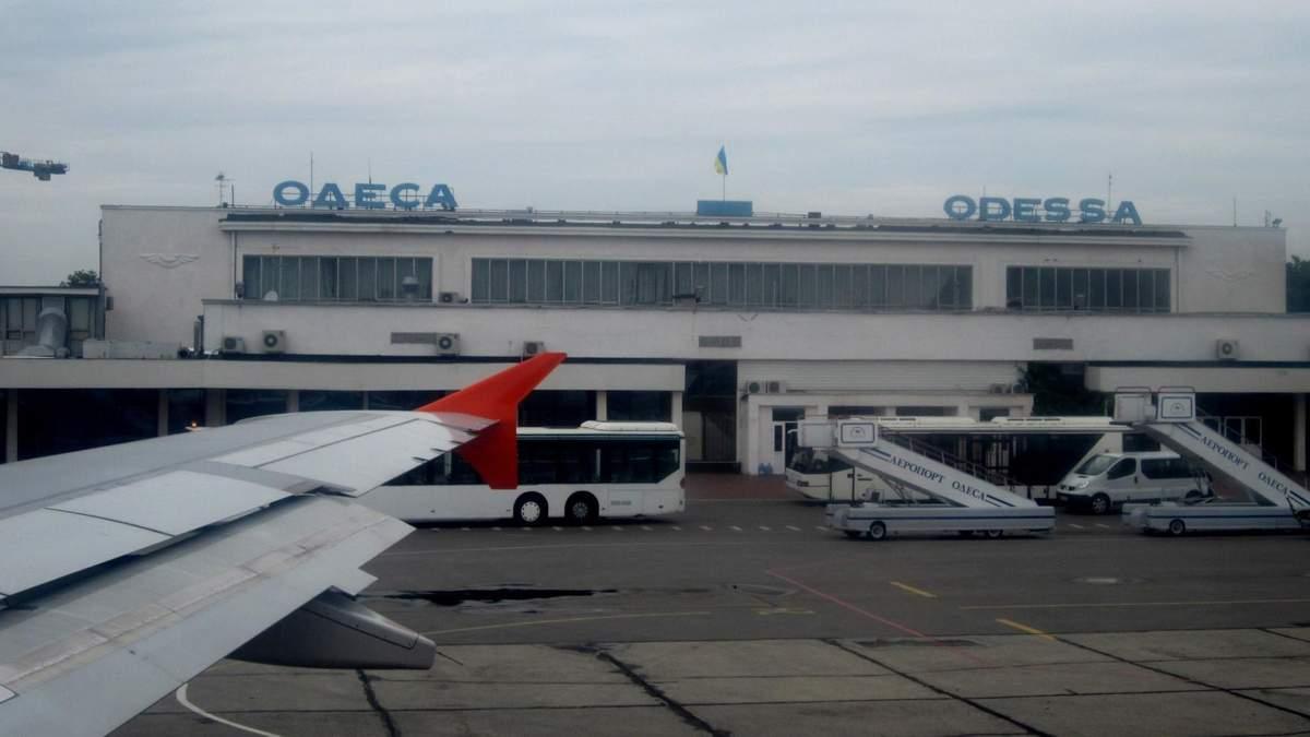 Літак авіакомпанії Azur Air через густий туман не зміг приземлитися в Одесі, тому пілоти вирішили здійснити посадку в Києві