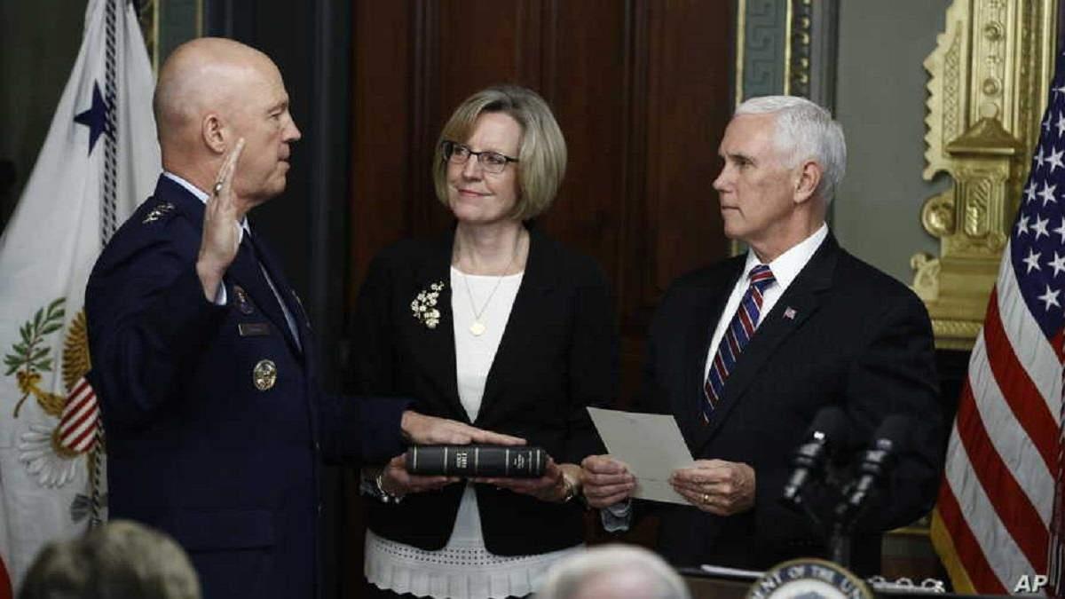 Джон Реймонд став першим командувачем Космічних сил США