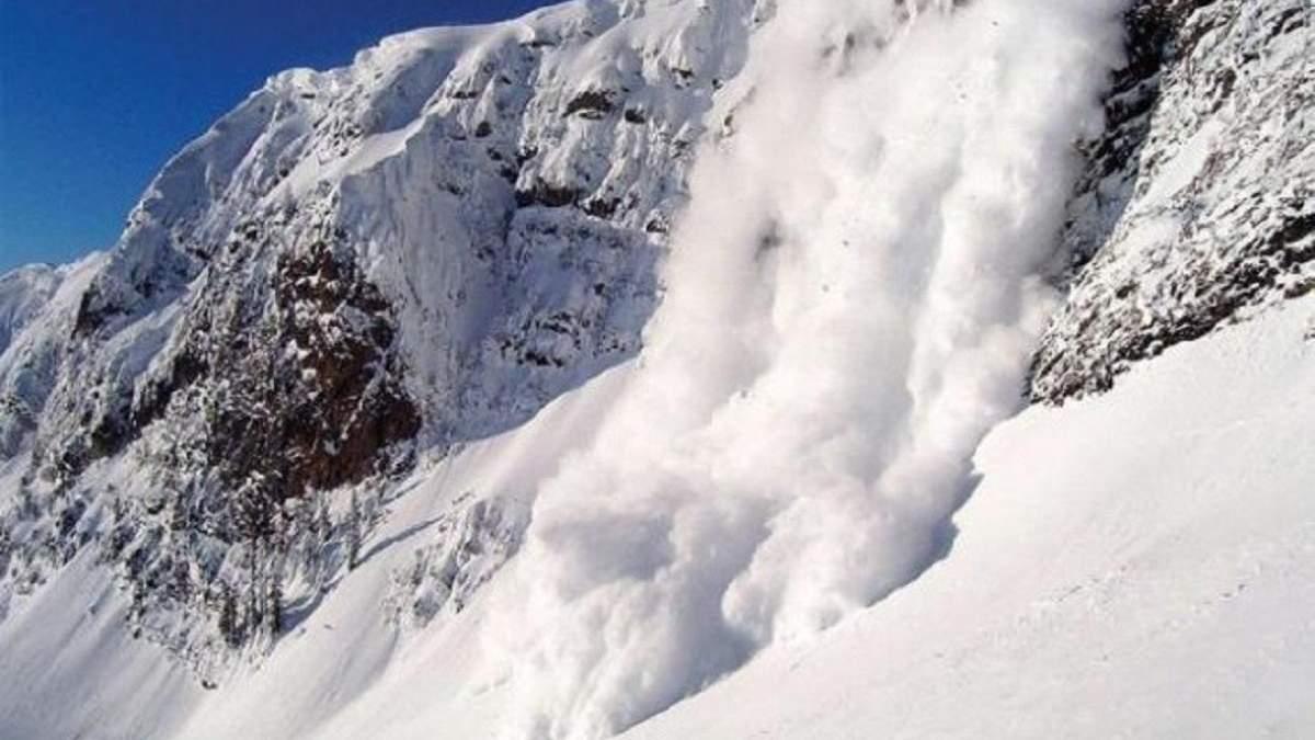 У Гімалаях вирують снігові лавини