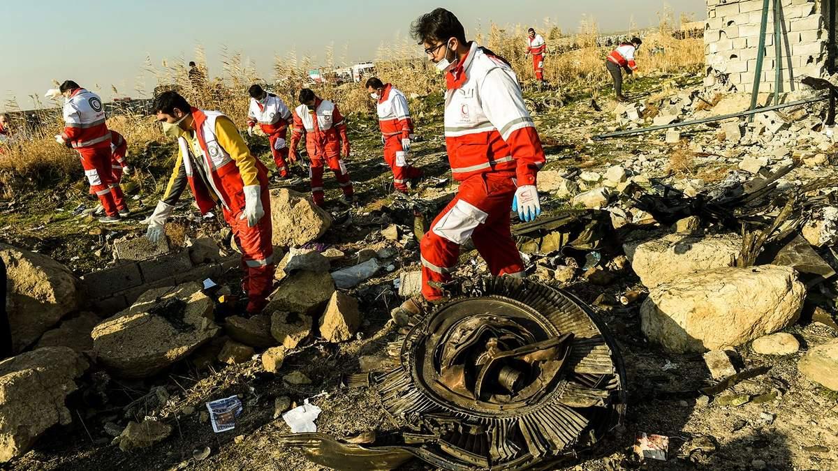 Авіакатастрофа літака МАУ в Ірані: пошукові роботи