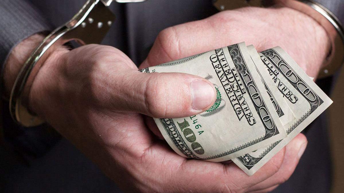 """Начальник поліції намагався """"відмазати"""" знайомого від армії за 2 тисячі доларів"""