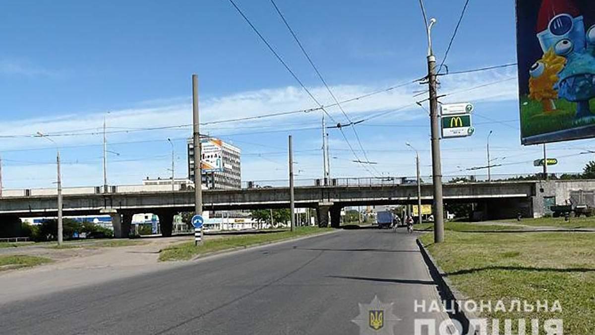 Чиновник розтратив майже 2 мільйони гривень, призначених для ремонту харківських доріг