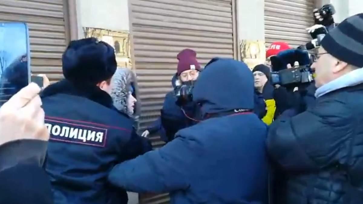 Изменения в Конституцию России- в Москве состоялись единичные протесты