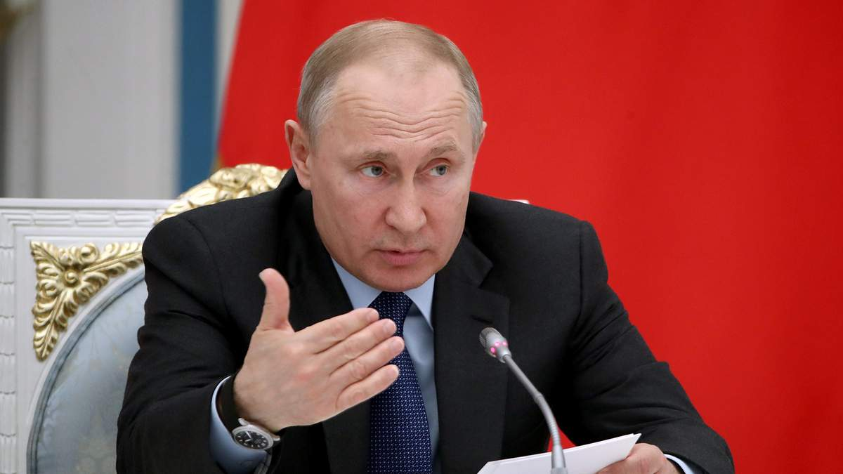 Путін візначився різкими заявами щодо Другої світової