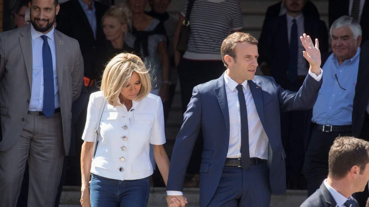 Еммануель Макрон з дружиною