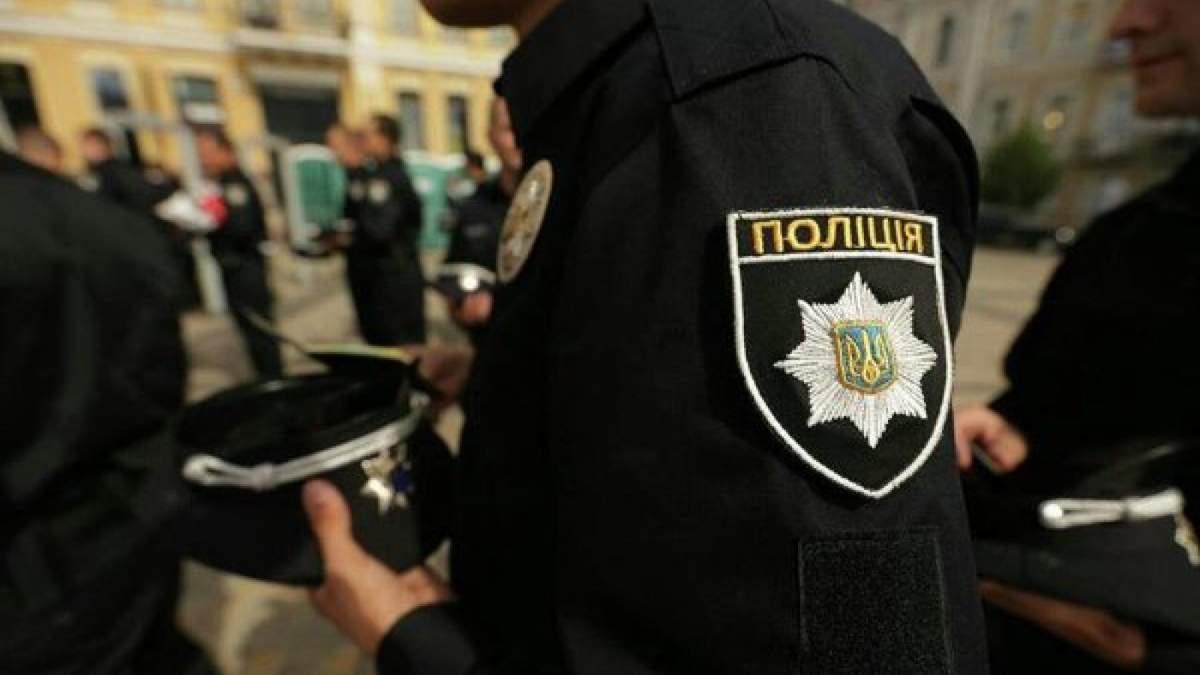 Одразу два напади на правоохоронців сталися на Закарпатті: постраждала поліцейська