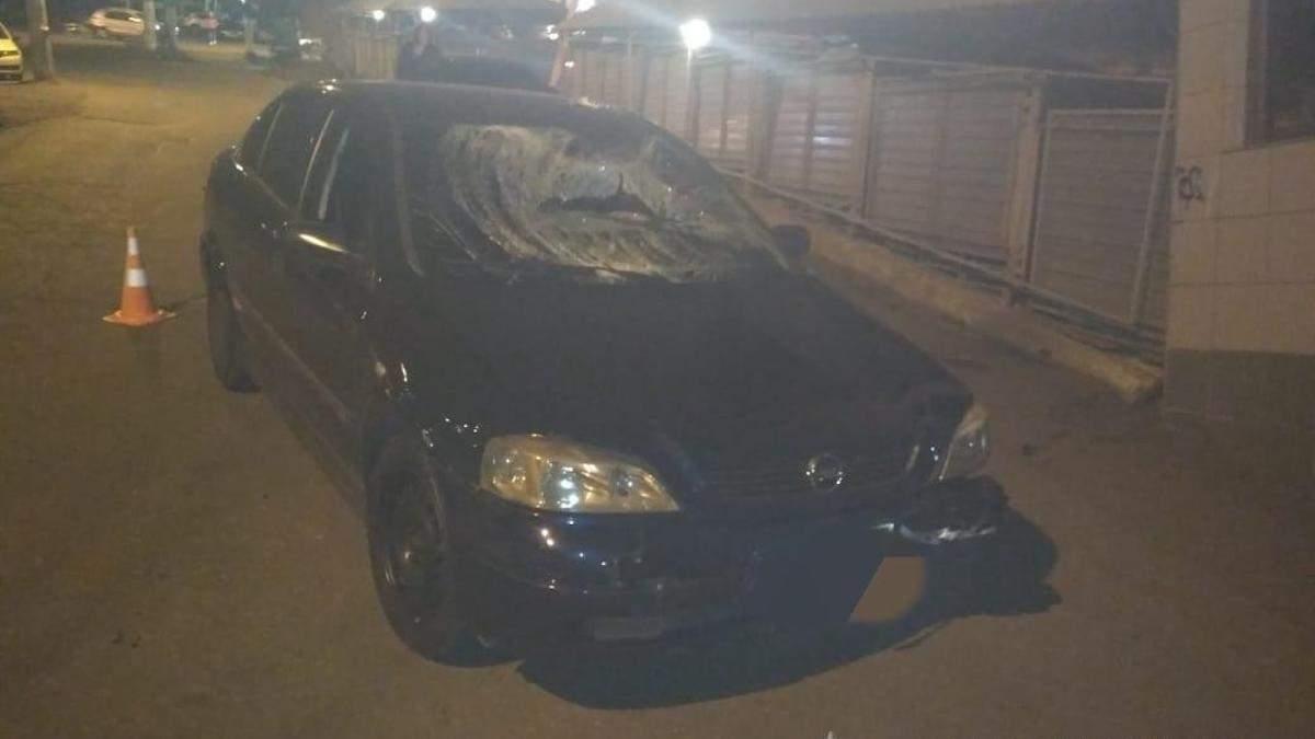 Полицейский навеселе сбил двух пешеходов в Одессе