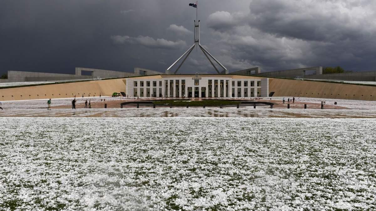 Австралія потерпає від потужного граду: шокуючі фото та відео