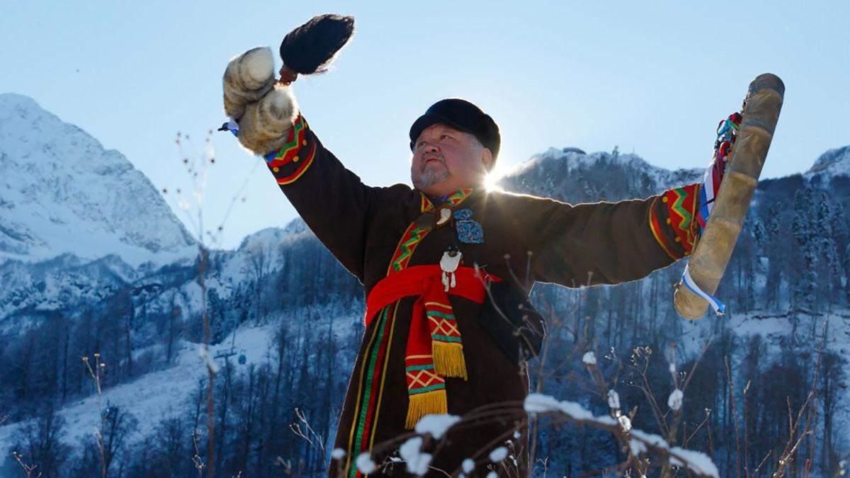 """Шамана запросили """"викликати сніг"""" на російському курорті"""
