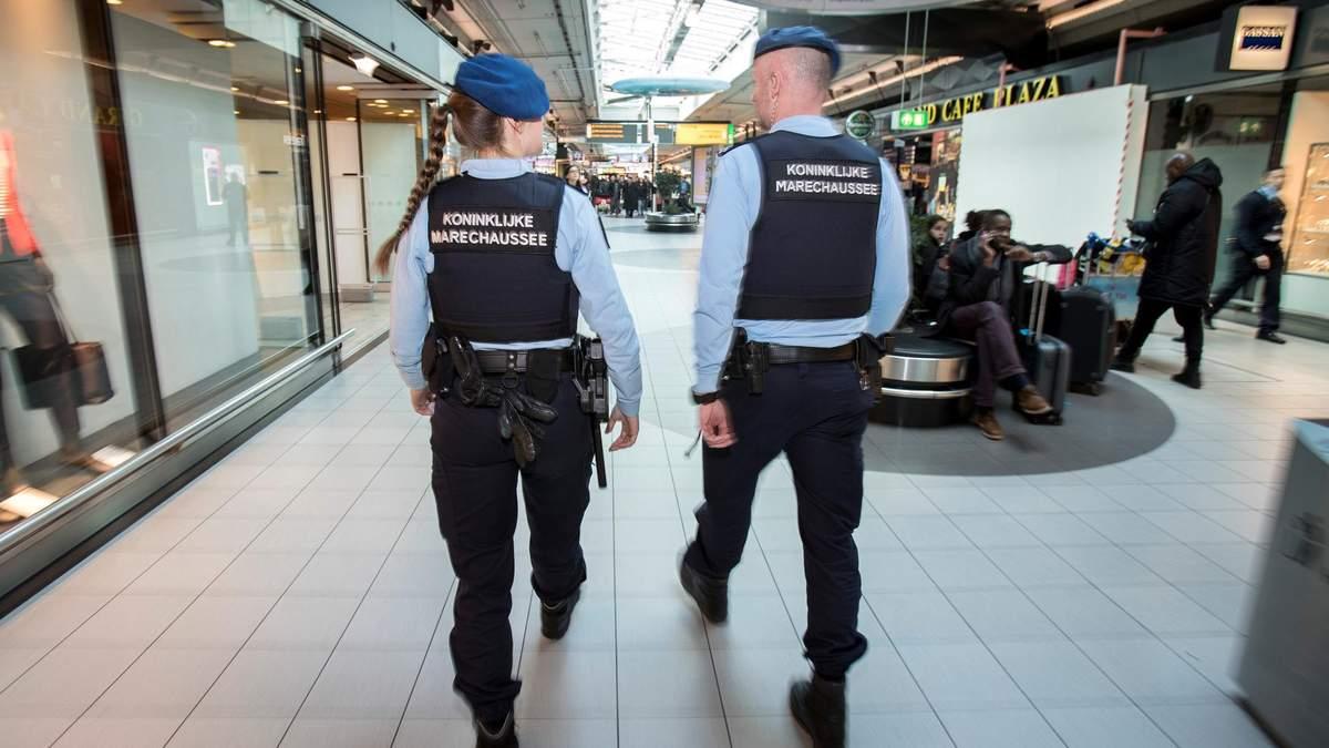 В аеропорту Амстердама затримали українця за жорстоке поводження з 3-річною дитиною
