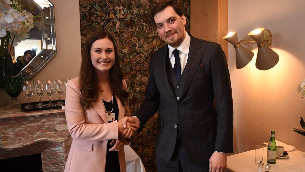 Два самых молодых премьера мира: Гончарук встретился с Санной Марин в Давосе – фото