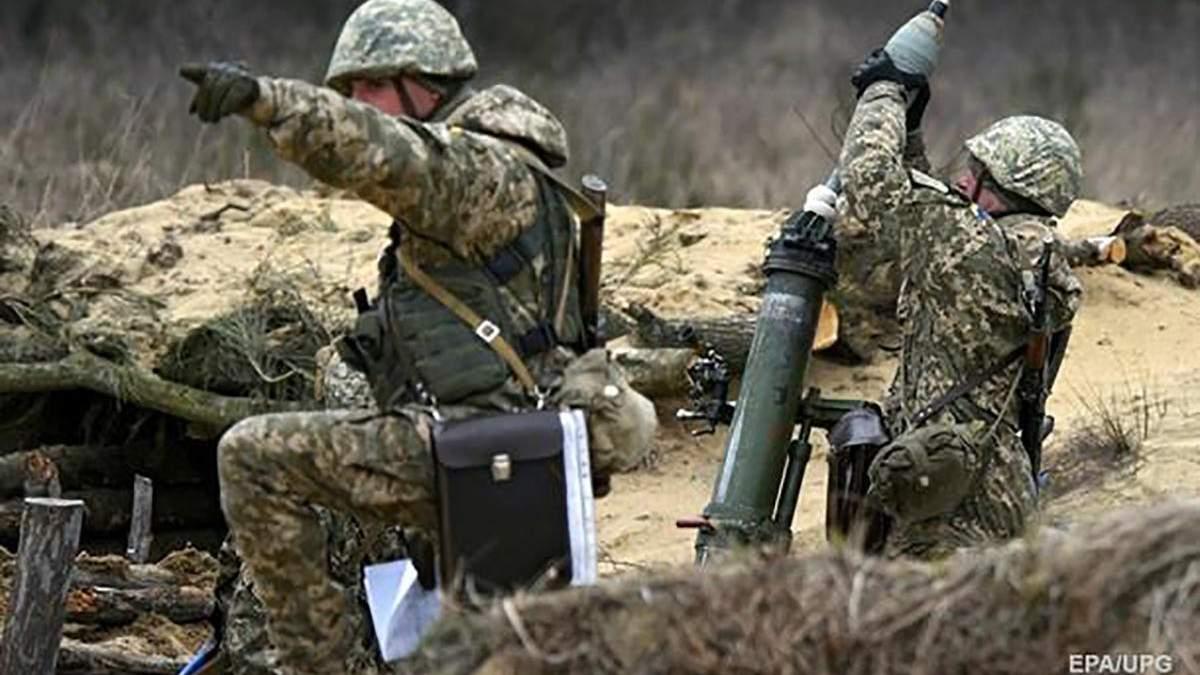 Обстрелы на Донбассе не утихают