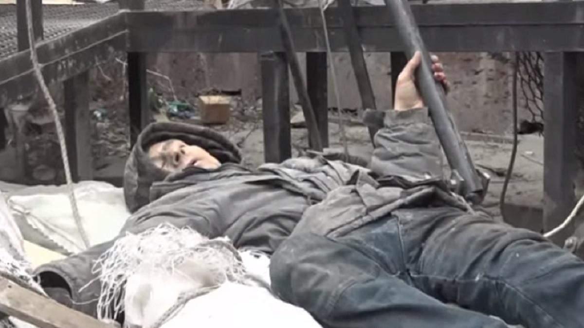 В Кропивницком мужчина упал с крыши многоэтажки и выжил