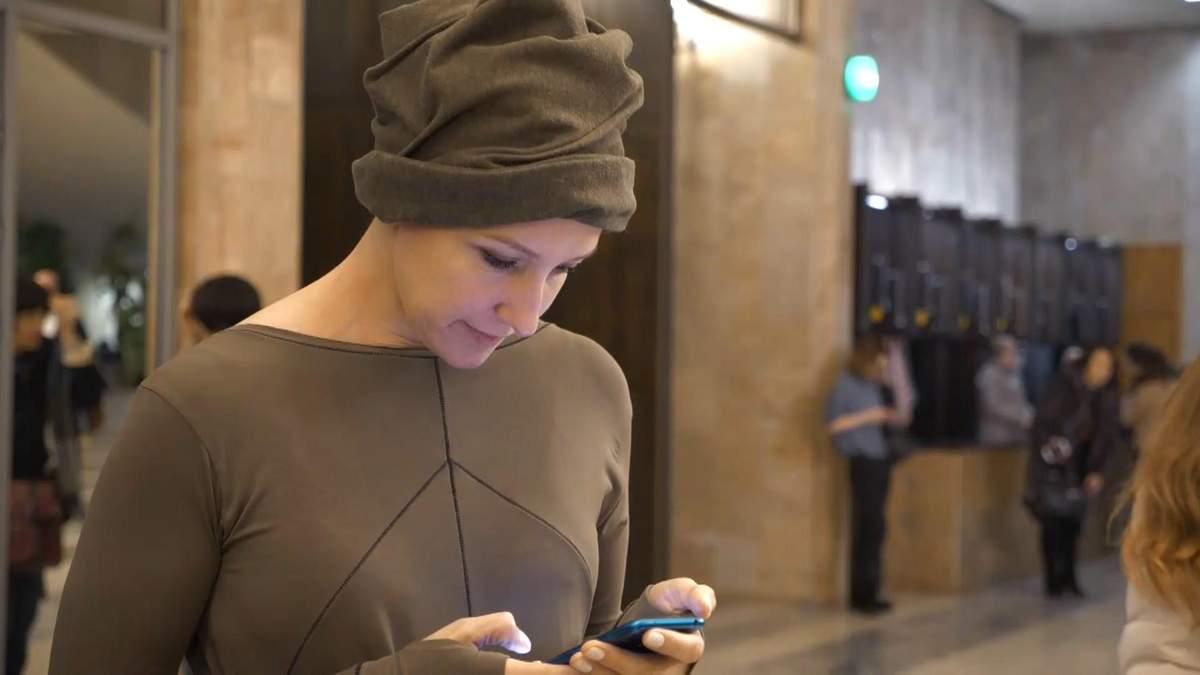 Як онкохвора допомагає іншим подолати рак: фото та відео з благодійного концерту в Харкові