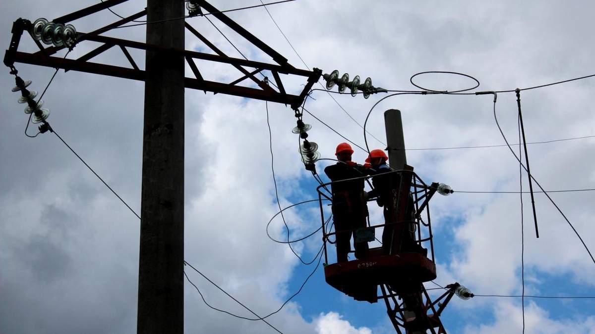 В Украине из-за непогоды без электричества остались 397 населенных пунктов в 8 областях