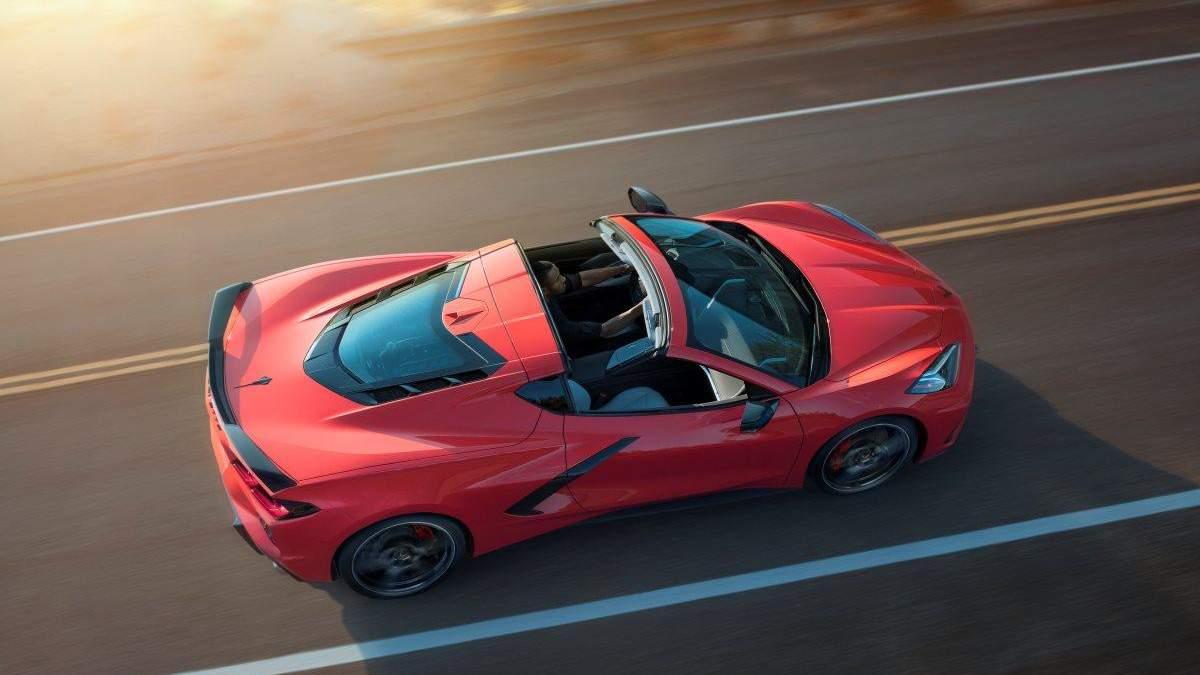 Автомобіль року: захопливі фото потужного спорткару Corvette Stingray С8
