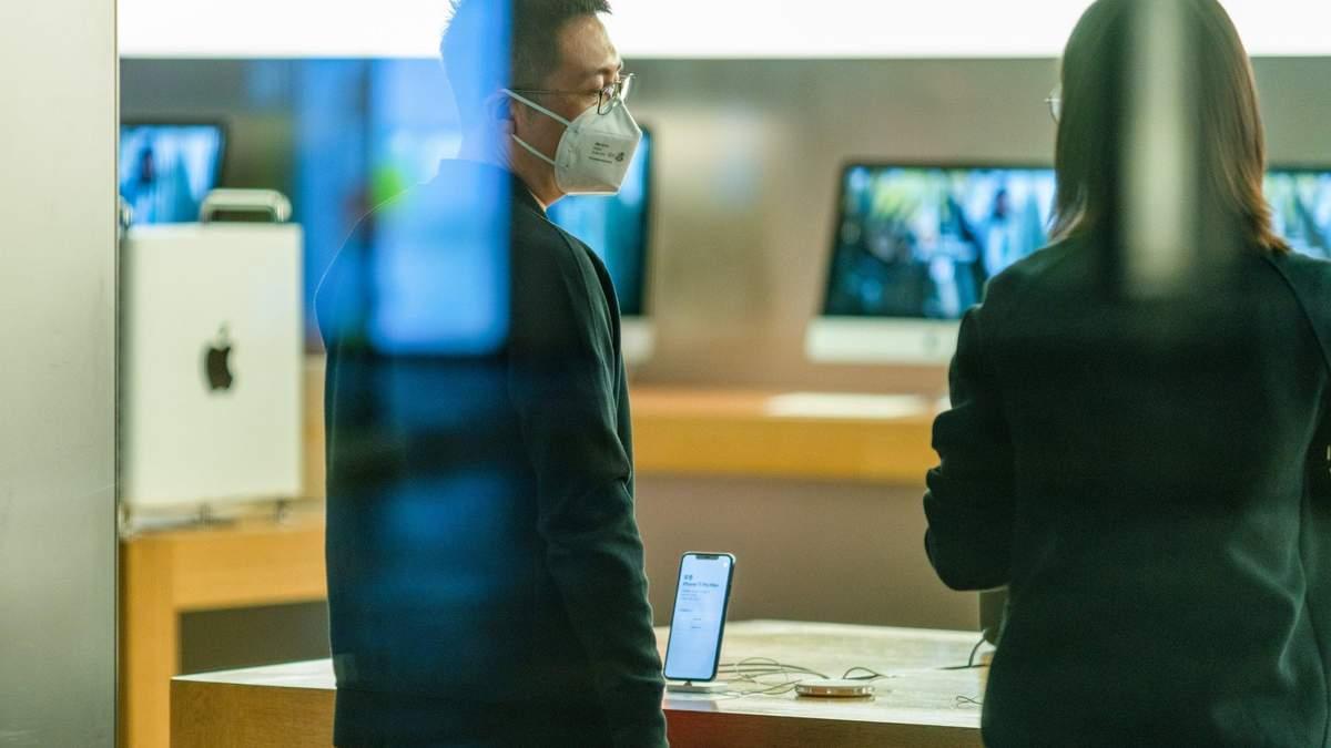 Apple закрывает магазины в Китае из-за коронавируса