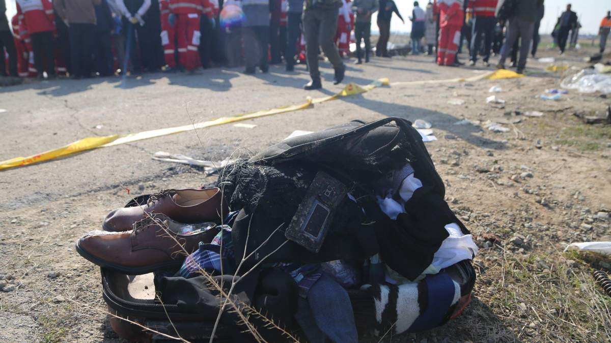 Место авиакатастрофы самолета МАУ в Иране