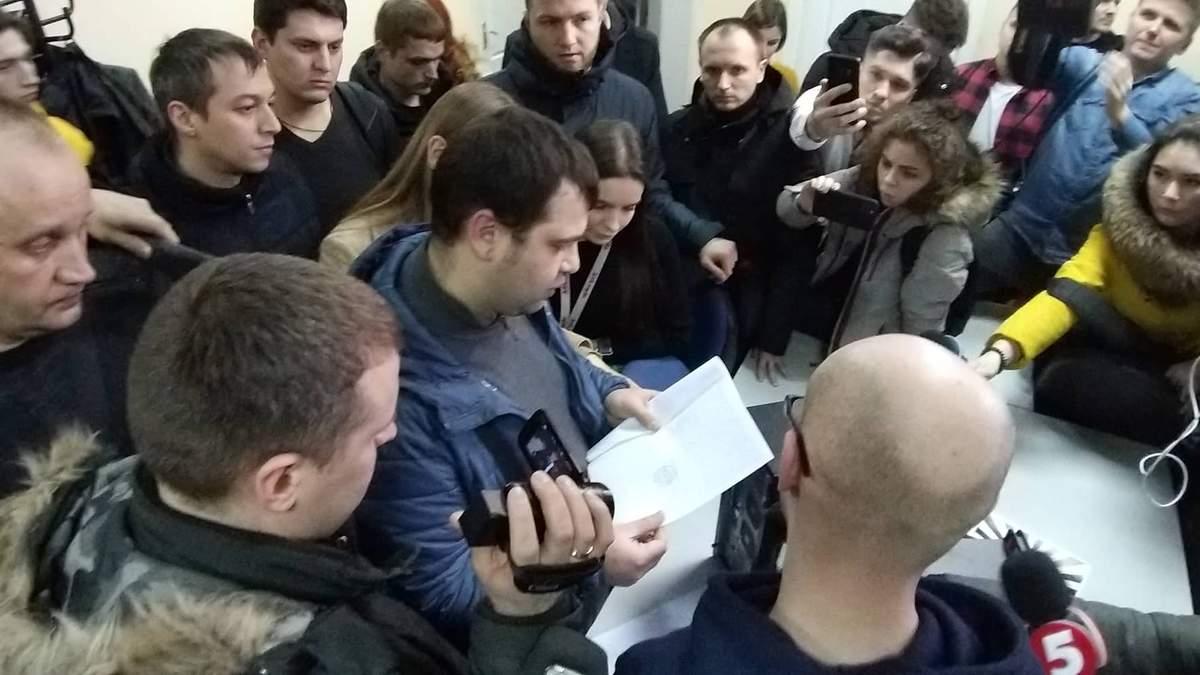 В доме журналистов 1+1 провели обыски: что изъяла СБУ