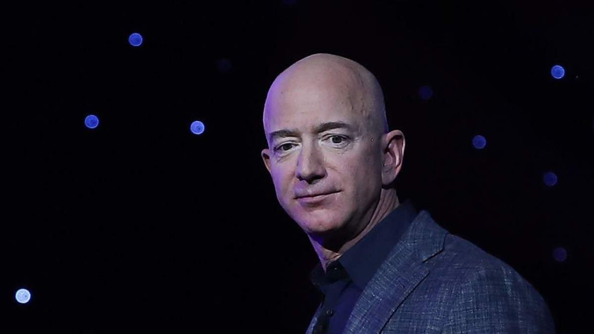 Джеф Безос продав акції Amazon