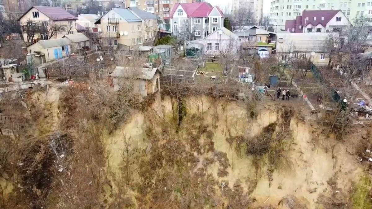 Зсуви ґрунту у Києві: будинки у центрі можуть опинитися у яру