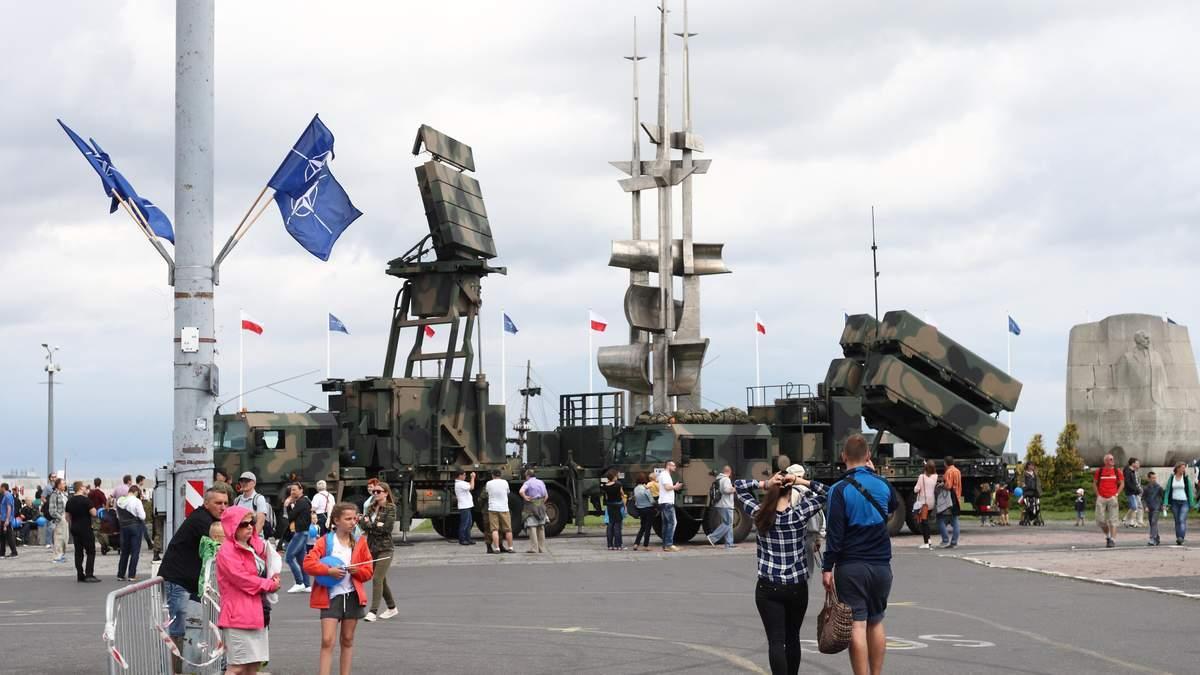 Виставка зброї НАТО у Польщі