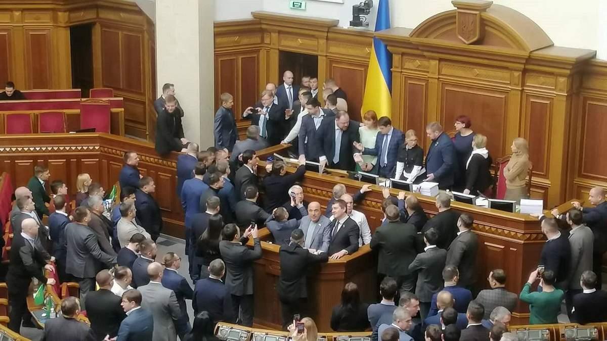 Сколько денег теряет Украина из-за популистов?