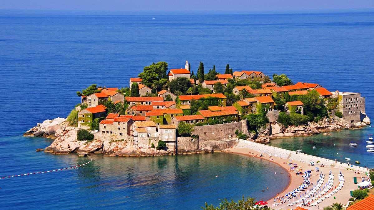 Чорногорія видає паспорти за інвестиції