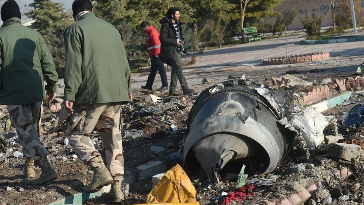 Катастрофа літака МАУ: Україна та Іран вирішують, де і коли будуть розшифровані чорні скриньки