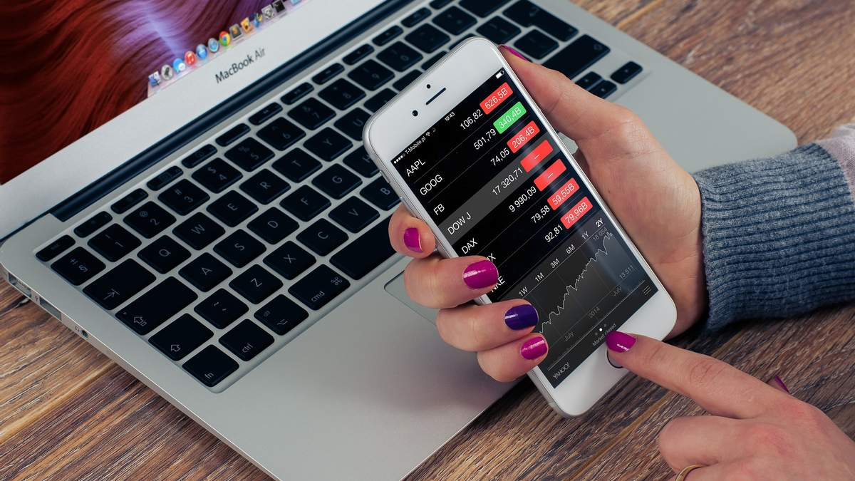 Инвестиции в акции: выгодно ли сейчас покупать ценные бумаги техкомпаний